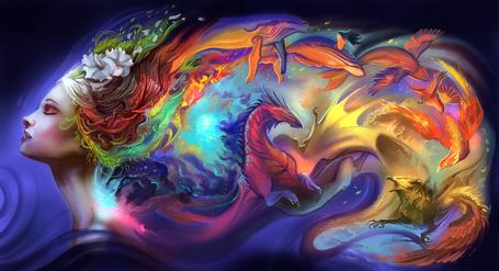 Фото Девушка с волосам, на которых изображены рыбы, птицы и дракончики, by AlectorFencer