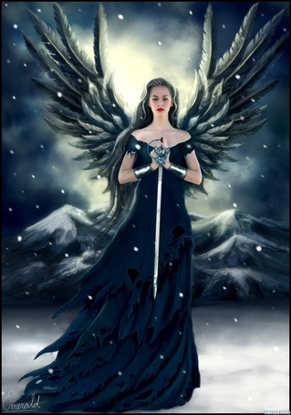 Фото Девушка ангел с мечом в руках