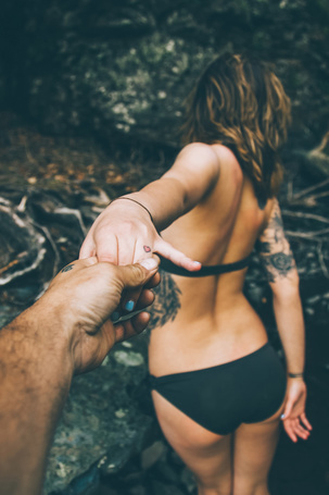 ���� The man holding the girl's hand (� Seona), ���������: 16.06.2015 20:35