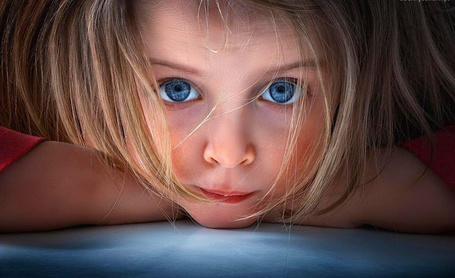 Фото Девочка с голубыми глазами, фотограф John Wilhelm