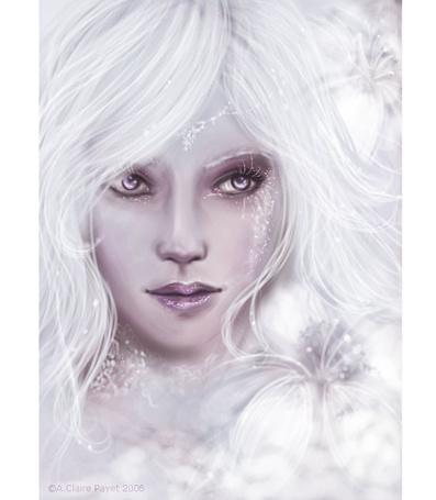 Фото Девушка на сером фоне с инеем на ресницах и лице