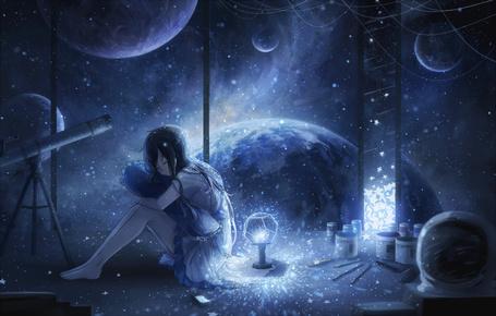 Фото Девушка сидит на полу комнаты, стены которой сделаны из стекла, через которые виден космос