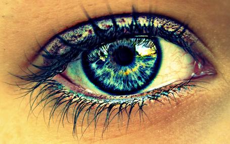 Фото Красивый глаз девушки (© zmeiy), добавлено: 22.07.2015 20:02