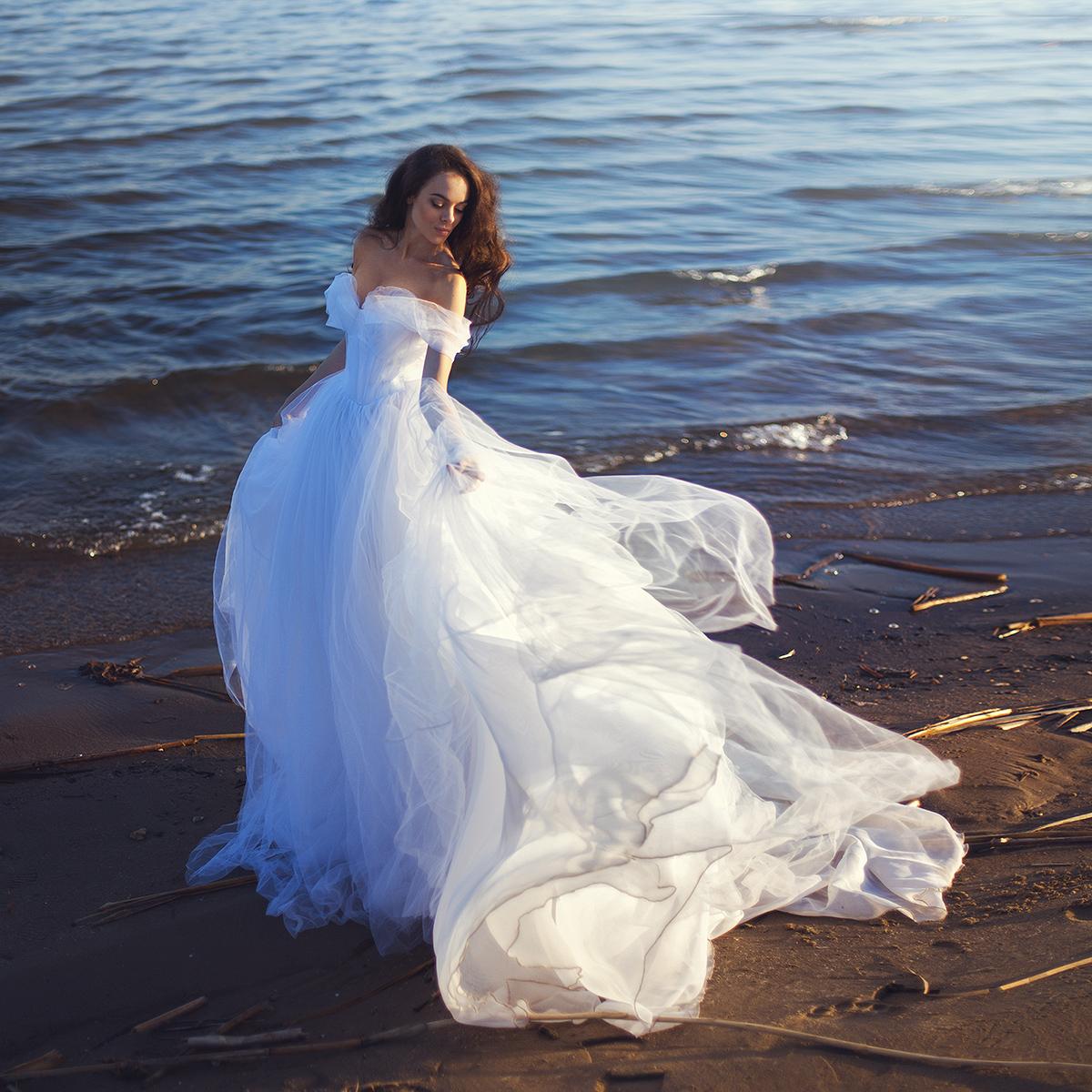 Фото Девушка в белом платье стоит на воде, фотограф Екатерина Ромакина