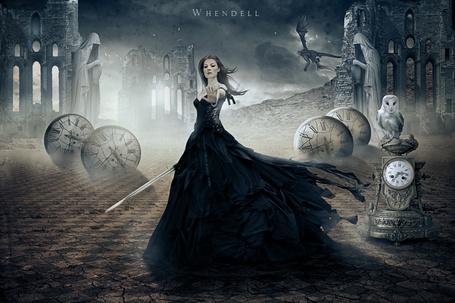 Фото Девушка в длинном платье держит руку перед собой, by Whendell