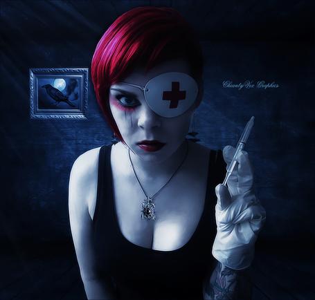 Фото Девушка держит в руке шприц, работа ChiantyVex
