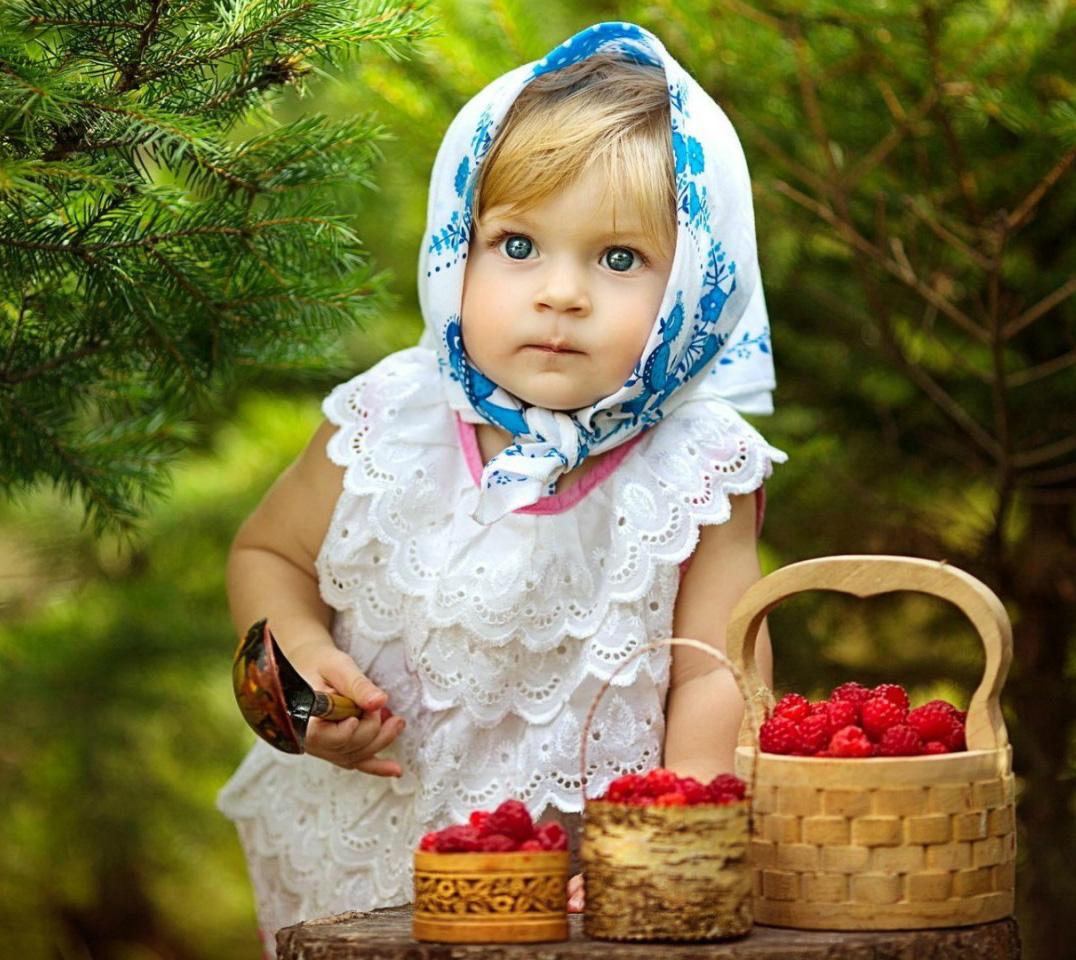 Фотосессии в лесу с ягодами 3 фотография