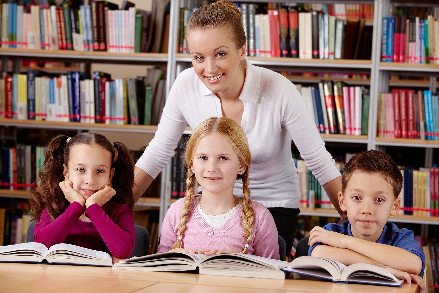 Учитель с ученицей 7 фотография