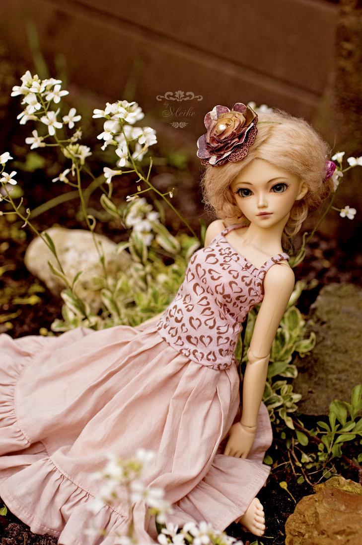 Кукла с цветами фото