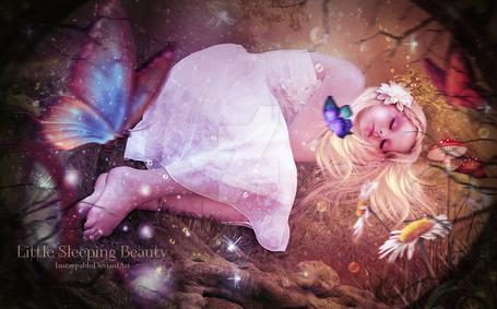 Фото Спящая белокурая девочка (Little Sleeping Beauty), работа lauraypablo