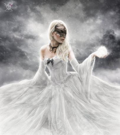 Фото Девушка в белом платье держит в руке магический шар, by Andrea Garcia