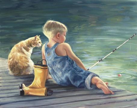Фото Мальчик, закинув удочку в воду и рыжий кот, сидят на деревянном мостике и ждут клева, художница Laurie Show