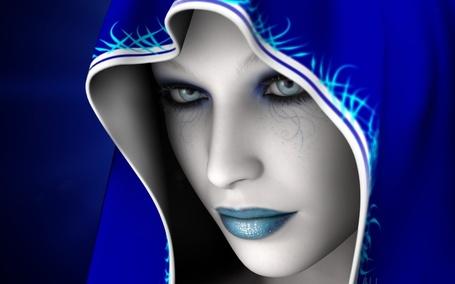 Фото Девушка в синем капюшоне и похожего цвета губами