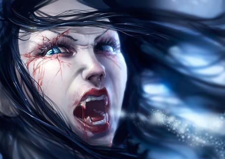 Фото Вампирша с голубыми глазами