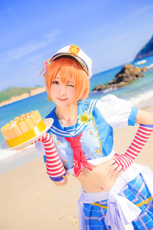 Фото Косплей Rin Hoshizora / Рин Хошизора из аниме Love Live! School Idol Project / Живая любовь! Проект Школьный идол