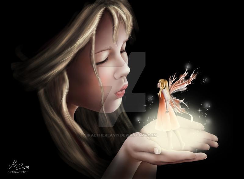Фото На руках девочки стоит фея, by AethereaVis