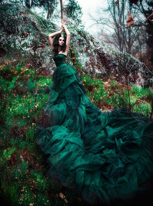 Картинки в изумрудных платьях