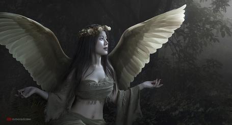Фото Девушка-ангел с венком на голове, by duongquocdinh