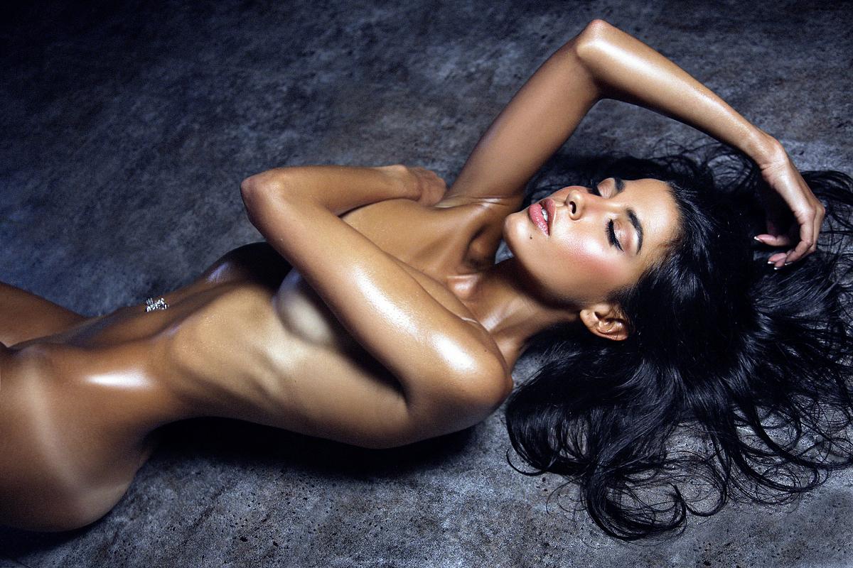 фото самая большая обнаженная грудь