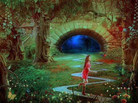 Фото Девушка бежит по дорожке, пройдя через секретные ворота и очутившись в волшебном мире, by ektapinki
