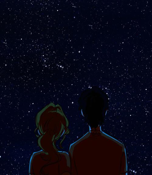 Фото Влюбленные любуются звездным небом