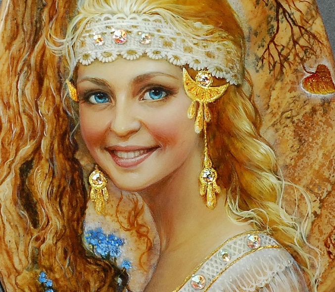 Фото Милая улыбающаяся девушка в украшениях, ву Светлана ...: http://photo.99px.ru/photos/232521/