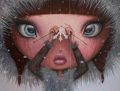 Фото Плачущая девочка вяжет спицами снежинку, by Borda