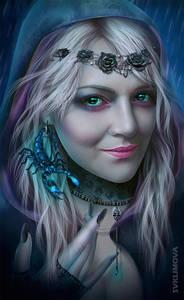 Фото Красивая гламурная девушка с голубыми глазами с украшениями и со скорпионом на волосах / by SvetlanaKLimova/