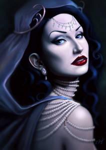 Фото Темноволосая красавица с яркой помадой на губах с украшениями / by MirageMari/
