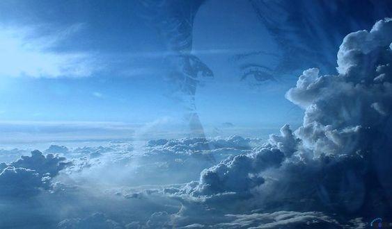 Фото Лицо девушки сквозь облака. (Мадонна)