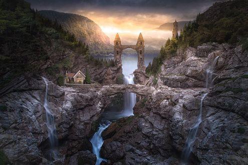 Фото Древнее сооружение, арка, над водопадом