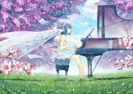 Фото Девушка-ангел с синими волосами играет на фортепиано в саду, by Wickedalucard