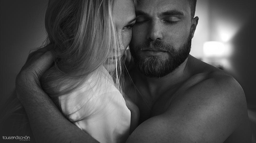 Черно белые фото мужчин и девушек