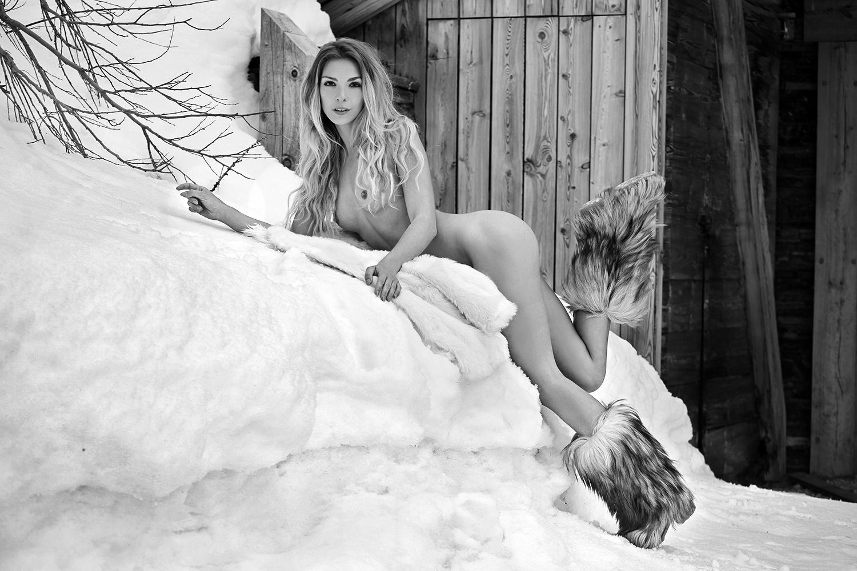 golie-na-sneg