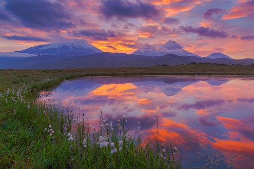 Фото Работа Долина великанов, горы под облаками и их отражение в озере, фотограф Денис Будьков