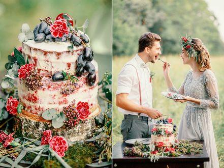 Фото Мужчина с девушкой едят свадебный торт, фотограф Павел Михайлов
