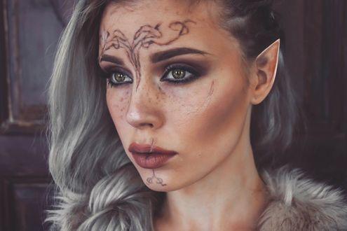 Фото Косплей Эльфийка с пепельными волосами и тату на лице, персонаж из игры Dragon Age: Inquisition / Век дракона: Инквизиция, by Mirish