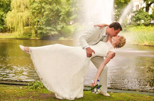 Фото Невеста с женихом на фоне фонтана, фотограф Ferdinand Studio
