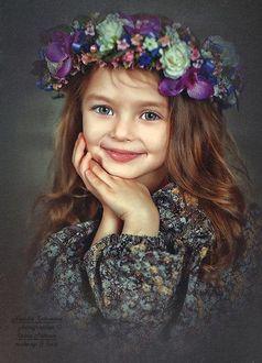 Фото Девочка с венком цветов на голове, фотограф Наталья Законова