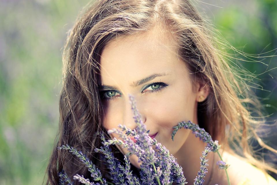 лицо было красивая шатенка на природе фото курорта богдану