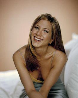 Фото Улыбающаяся Jennifer Aniston / Дженнифер Анистон, американская актриса