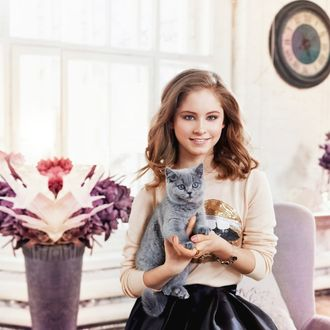 Фото Фигуристка, олимпийская чемпионка, вице-чемпионка мира Юлия Липницкая с котенком на руках
