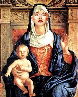 Фото Портрет американской певицы Мадонны в образе Матери Божьей, с ребенком на руках