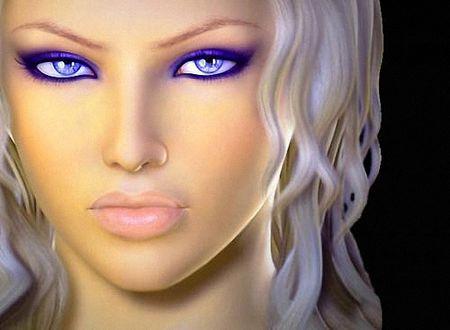 Фото Красивая блондинка с синими глазами и макияжем под цвет глаз