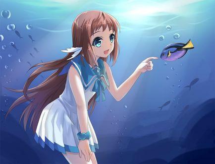 Фото Mukaido Manaka / Манака Мукайдо играет с рыбкой из аниме Безоблачное завтра / Nagi no Asukara / Cloudless Tomorrow