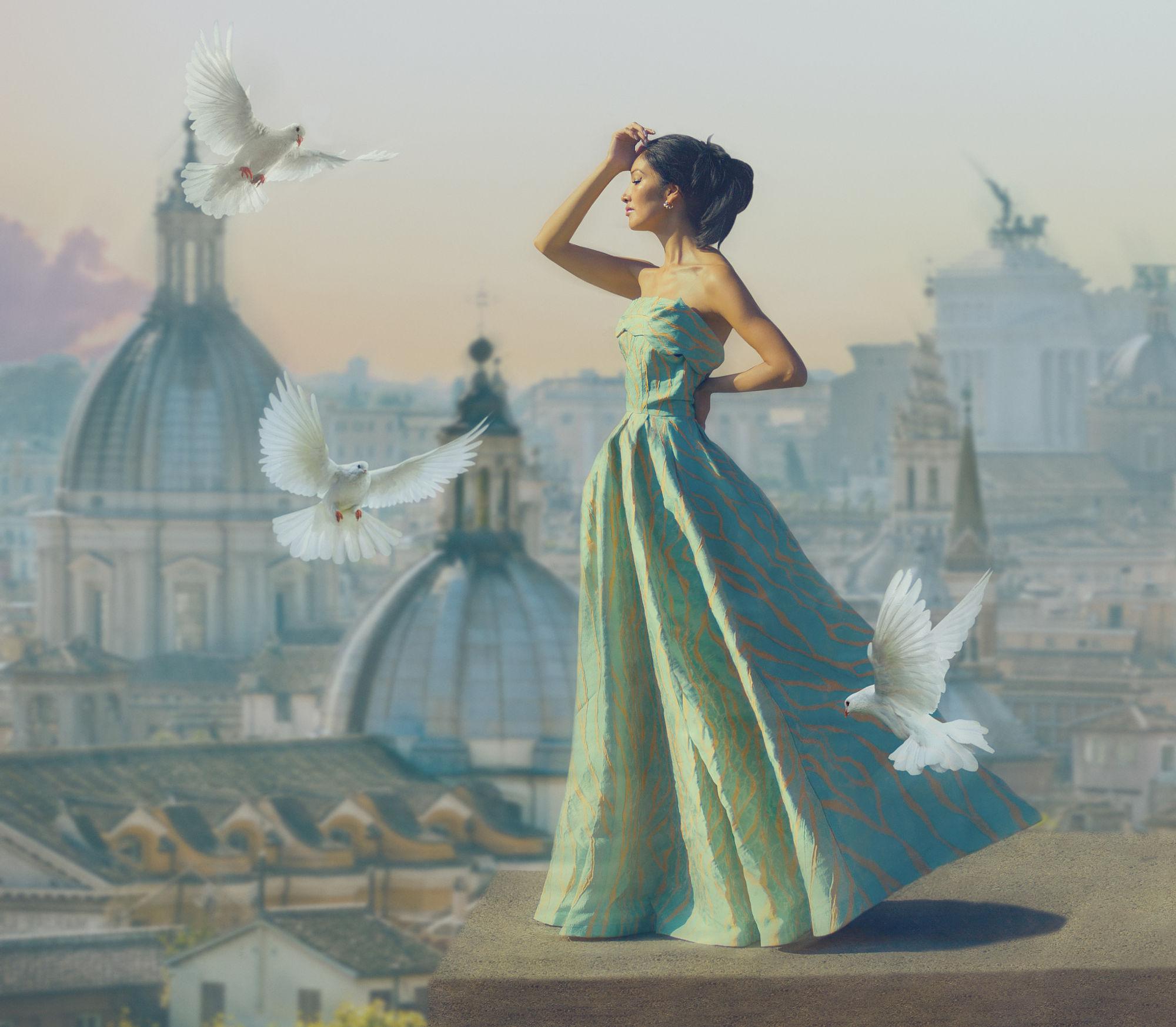 Картинки по запросу женщина с голубями