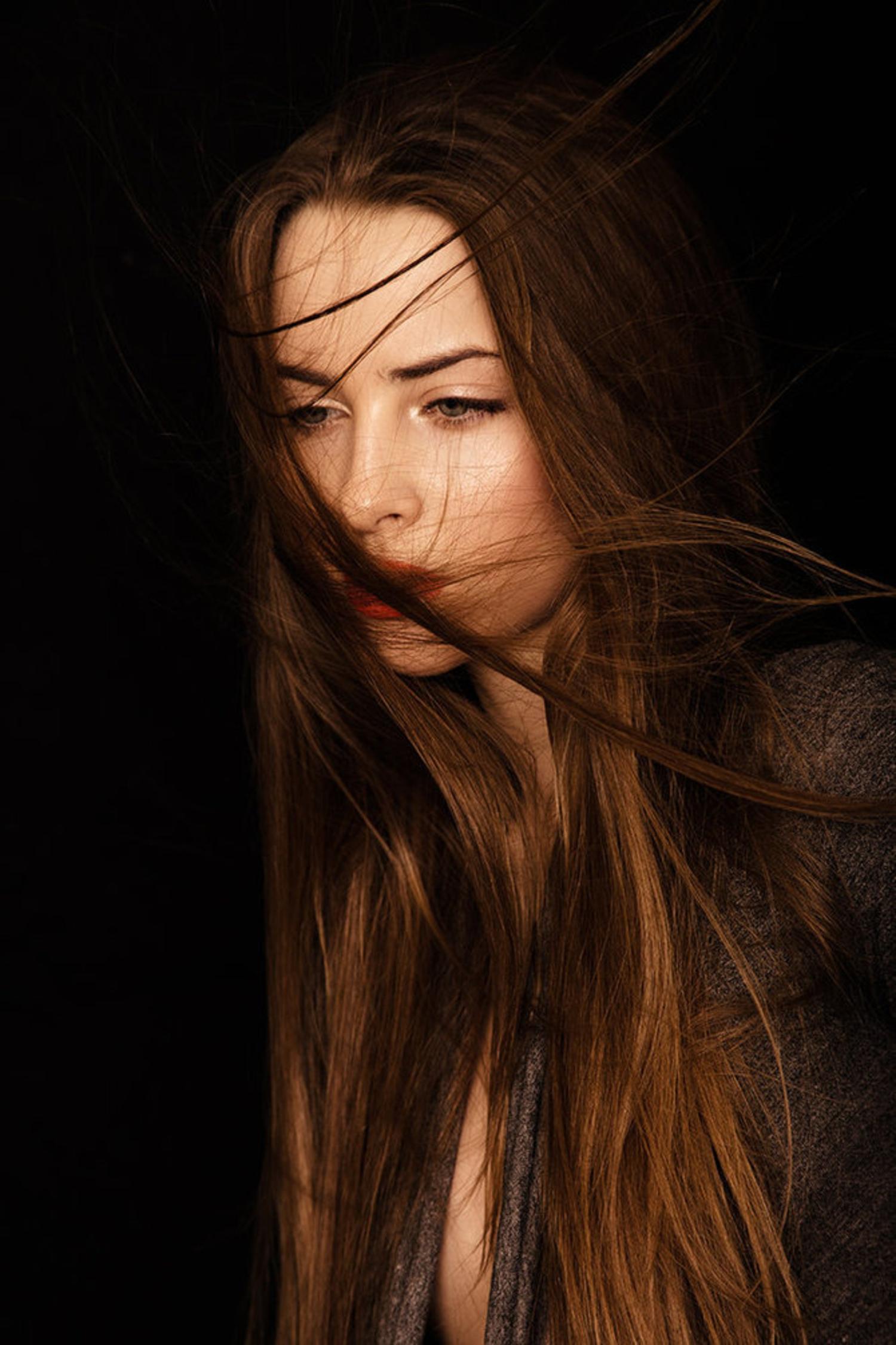 Темненькие девушки фото на аву
