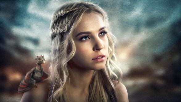 Фото Девушка в образе Daenerys Targaryen / Дейенерис Таргариен из сериала Game of Thrones / Игра престолов с драконом на плече, фотограф Сергей Степанов