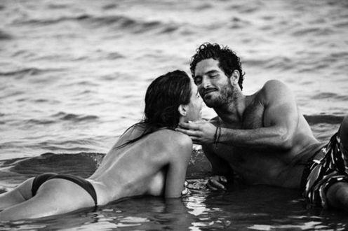 Фото Мужчина и женщина на море