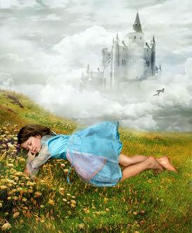 Фото Спящая на траве девочка с темными волосами в голубом платье с босыми ногами на фоне замка в тумане
